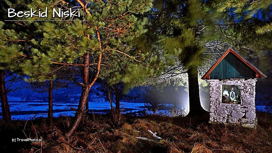 Kapliczka w Beskidzie Niskim