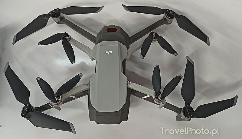 Albo to rozmnażanie dronów, albo tylko porównanie DJI Mavic Mini z 2 Pro....